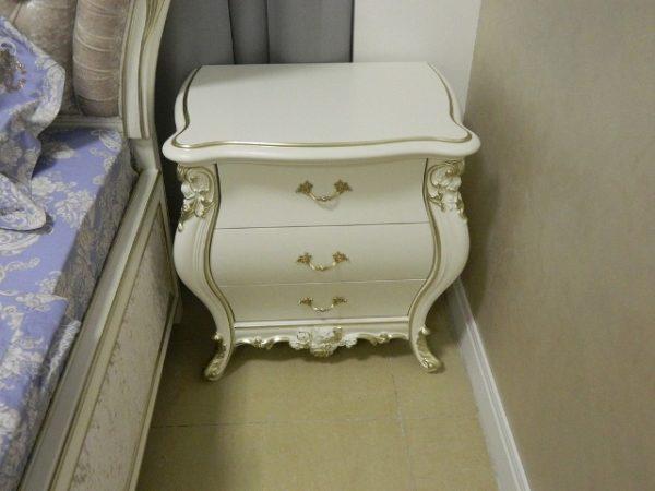 Мебель в стиле модерн отличается выпуклыми формами и наличием изящного декора
