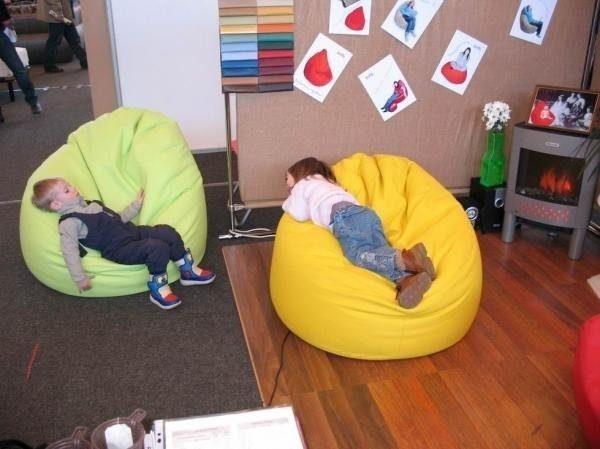 Бескаркасная мебель безопасна и удобна для детей