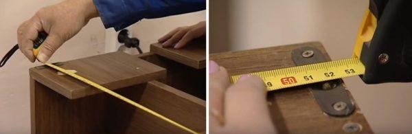 Измеряют точное расстояние между отверстиями крепежных петель