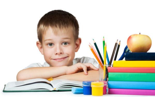 Порядок на столе помогает ребенку быстрее сосредоточиться