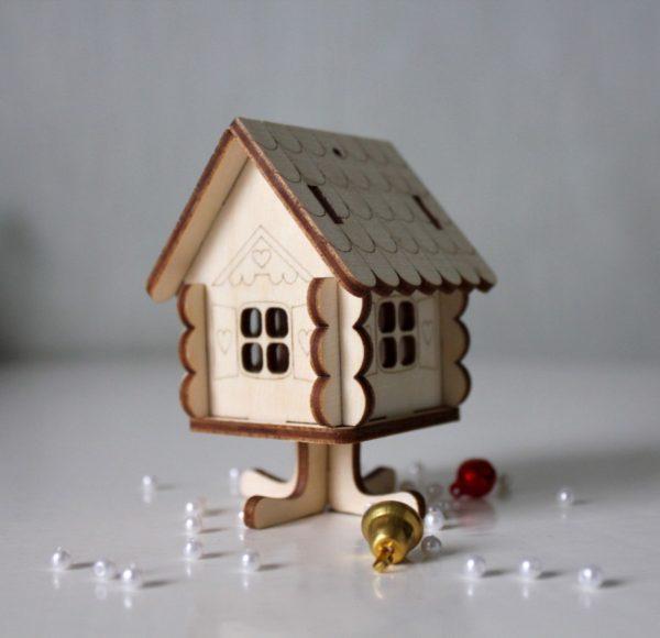 Часто домики делают из дерева