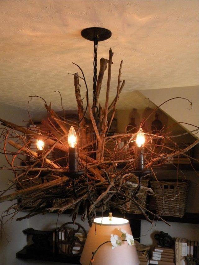 Декор люстры ветками