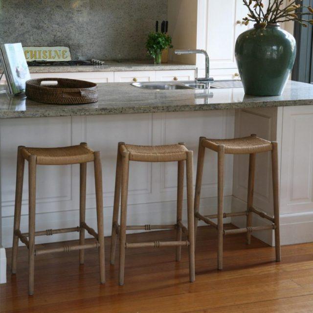 Дизайн барных стульев может быть разным
