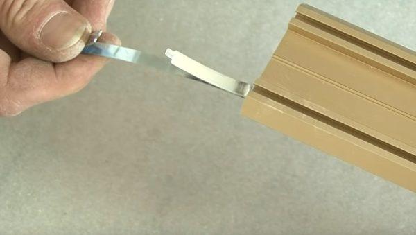 Использование двухстороннего скотча
