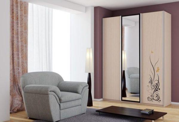 Как приклеить зеркало к дверце шкафа