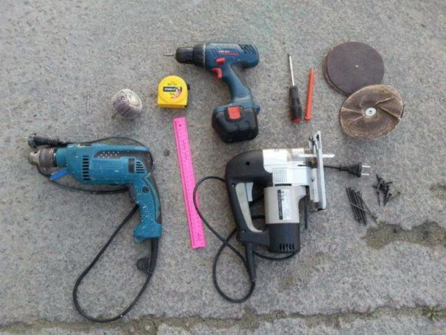Какие инструменты потребуются для работы