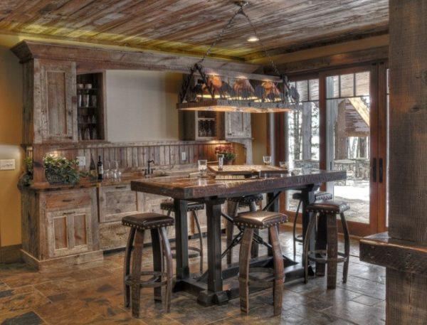 Кухня в стиле старого бара — очень уютно!