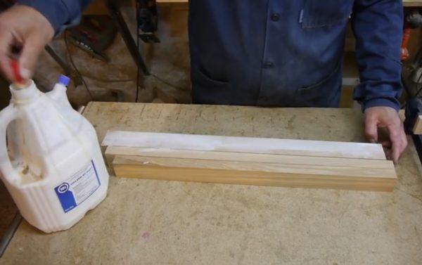 Обработка ламелей клеем