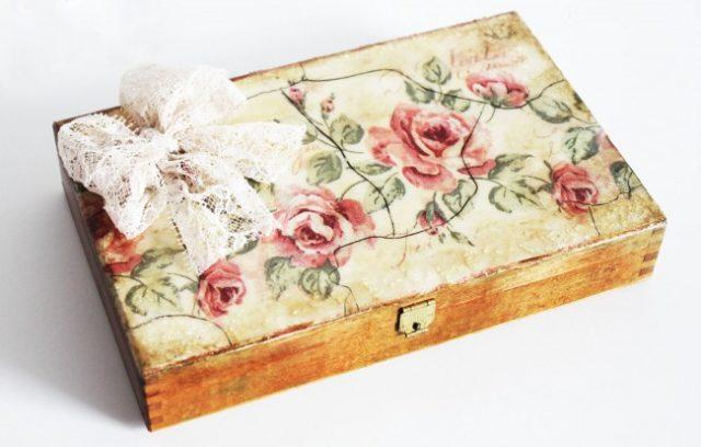Шикарная винтажная шкатулка, созданная в технике декупаж