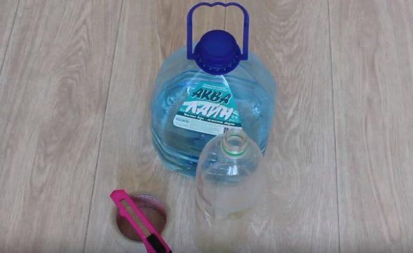 Для заполнения чехла понадобятся пластиковые бутылки