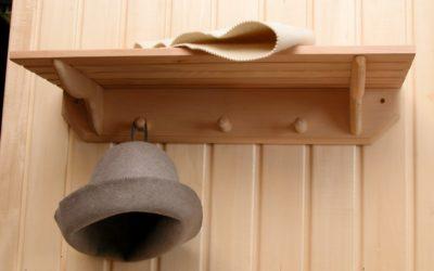 Вешалка обойдется дешевле, чем шкаф