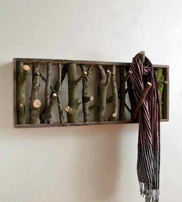 Вешалка, сделанная из сучков