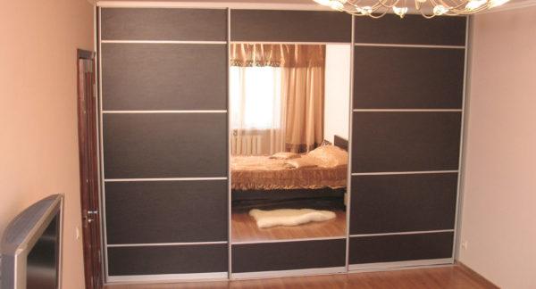 Встроенные шкафы-купе помогут достичь максимальной функциональности, и при этом вы не теряете пространство помещения