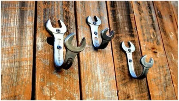 Гаечные ключи отлично вписываются в интерьер в стиле лофт