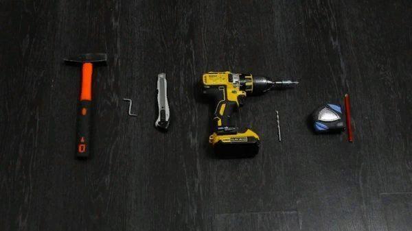 Инструменты, используемые при сборке конструкции