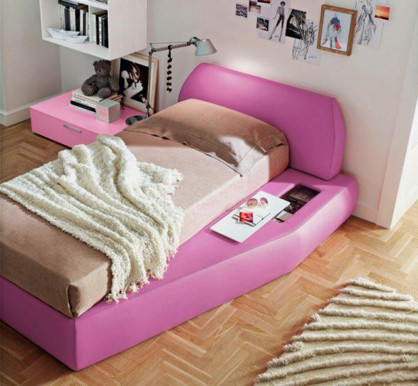 Современная модель кровати для девочки-подростка
