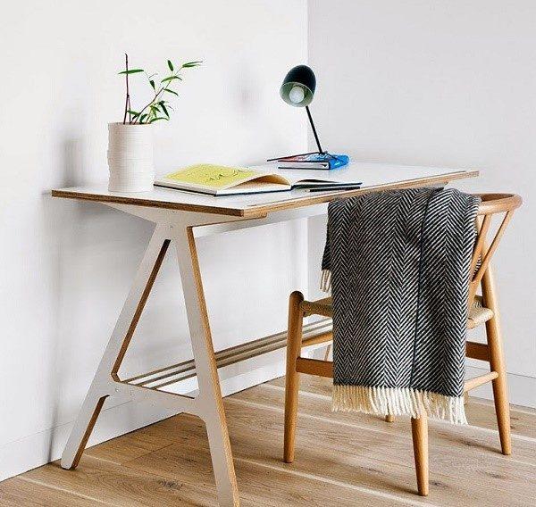 Стол из фанеры - отличное решение для небольшого бюджета на приобретение предметов домашней обстановки