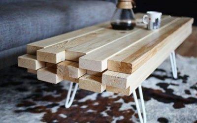 Журнальный столик можно сделать даже из простых брусков, совмещенных друг с другом