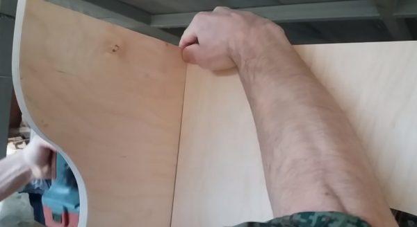 Соединение поперечины и ножки