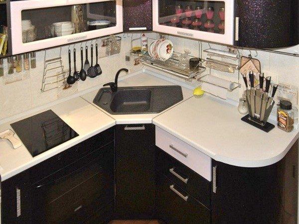 Размещение мойки на маленькой кухне