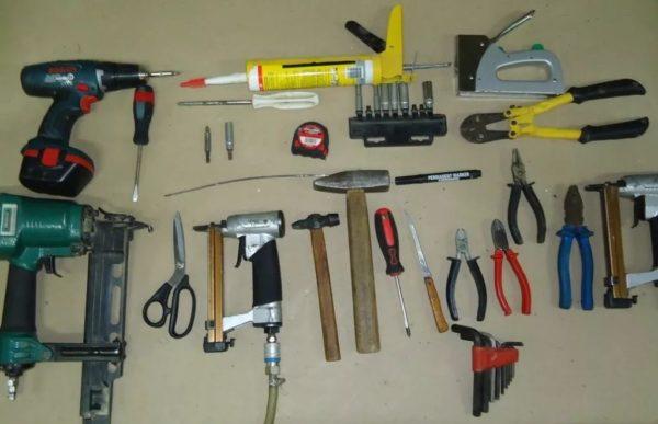 Необходимо заранее подготовить и проверить все материалы и инструменты