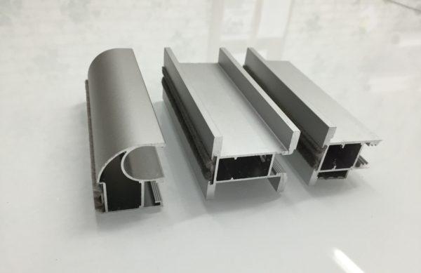 Алюминиевые профили прекрасно справляются с нагрузкой