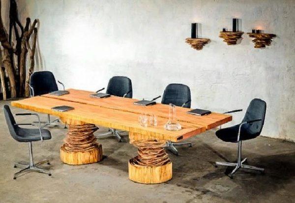 Деревянные предметы мебели отлично сочетаются с различными интерьерными задумками