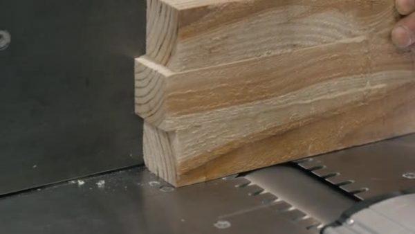Для изготовления мебели не подойдет свежая древесина – только сухая
