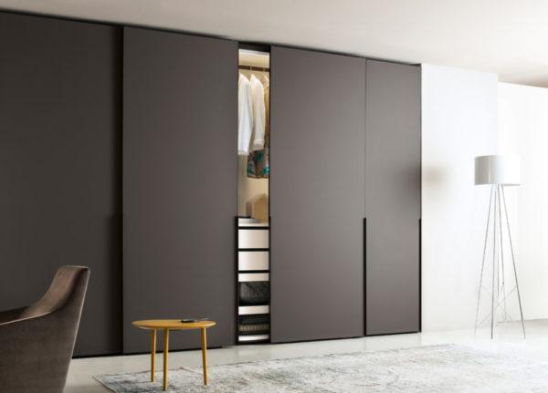 Для квартир в минималистичном стиле подходят однотонные фасады