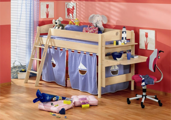 Домик для игр на основе двухуровневой кровати