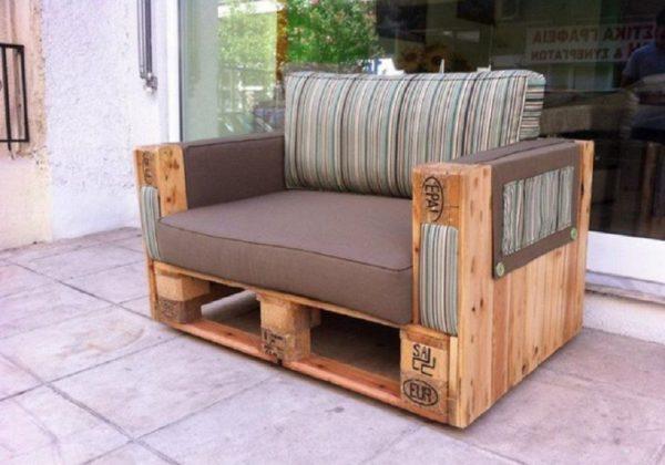 Еще один вариант уличного кресла