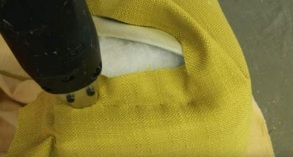 Фиксируем ткань степлером