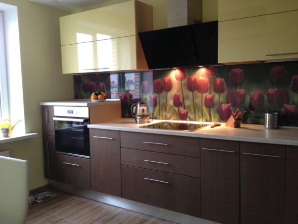 Фисташково-коричневая кухня