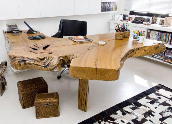 Из дерева можно изготовить даже сложную дизайнерскую мебель