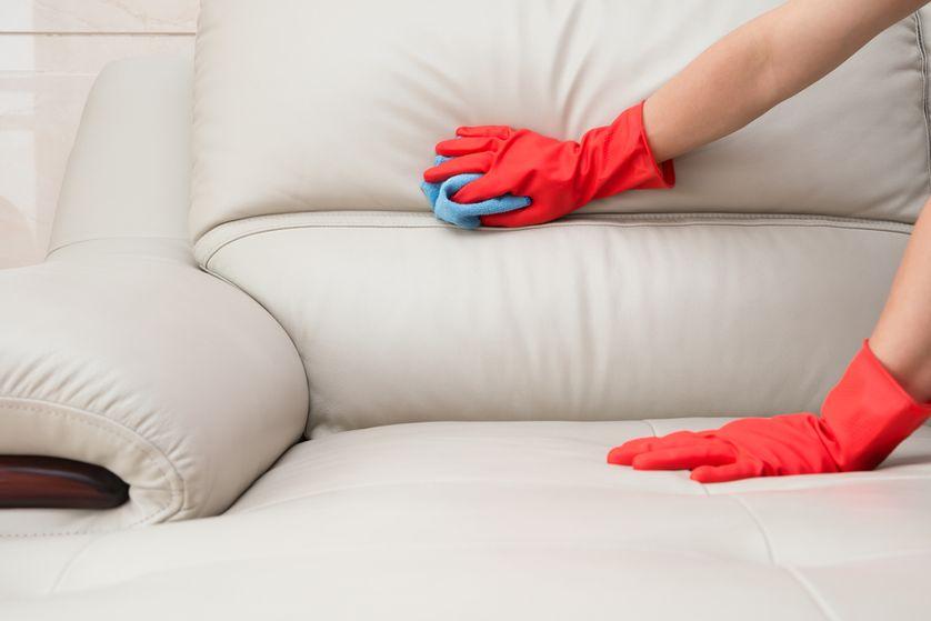Как почистить мягкую мебель в домашних условиях: способы,средства