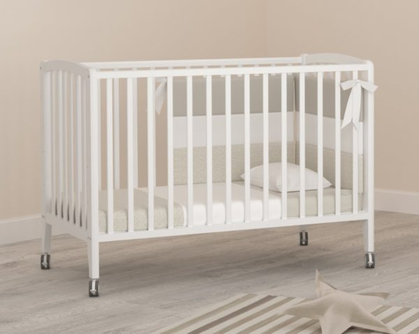 Классическая детская кровать