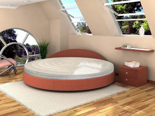 Матрасы для нестандартных кроватей чаще всего изготавливаются в мастерских