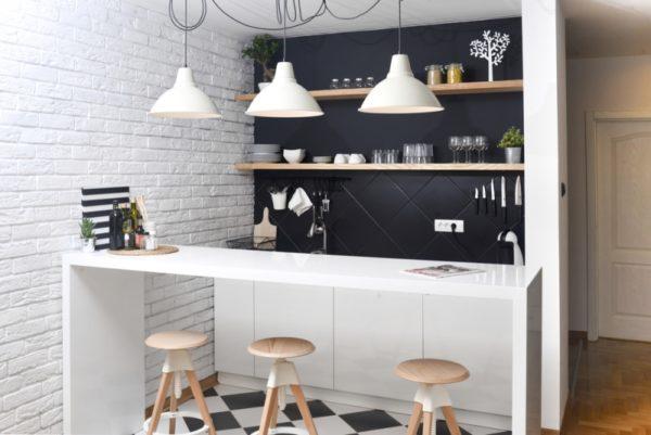 Минималистичные лампы добавляют комнате уюта