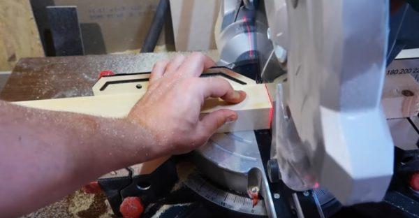 Нарезка деревянных брусков