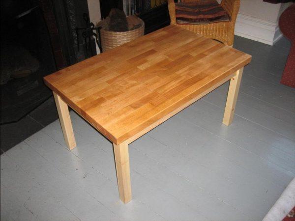 Не обязательно нужно быть умелым плотником, чтобы сделать стол своими руками