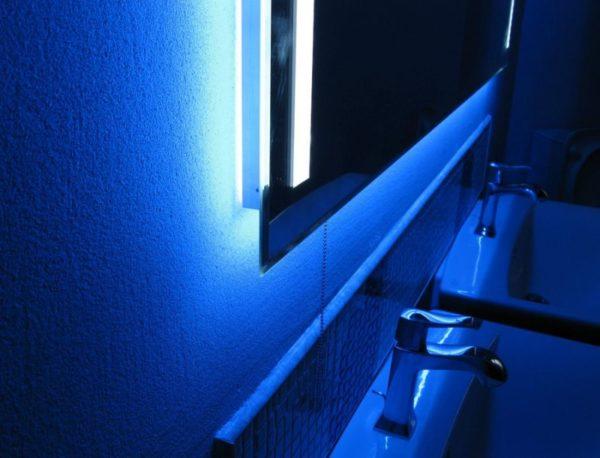Неоновые лампы в силу своей мощности могут подойти далеко не каждому хозяину квартиры