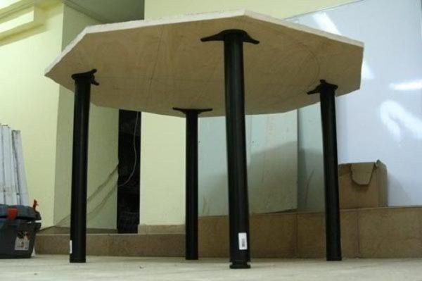 Ножки стола – не просто опора, а довольно значимая деталь, обуславливающая общее качество, внешний вид, срок службы и функциональность стола