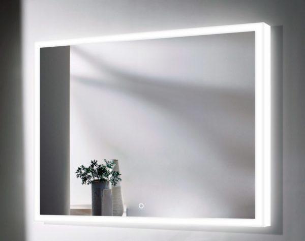 Подсветка может обрамлять зеркало в виде сияющей рамы, придавая ему элемент сказочности