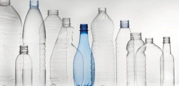 Рекомендуется выбирать для изготовления конструкций прочные, фигурные бутылки