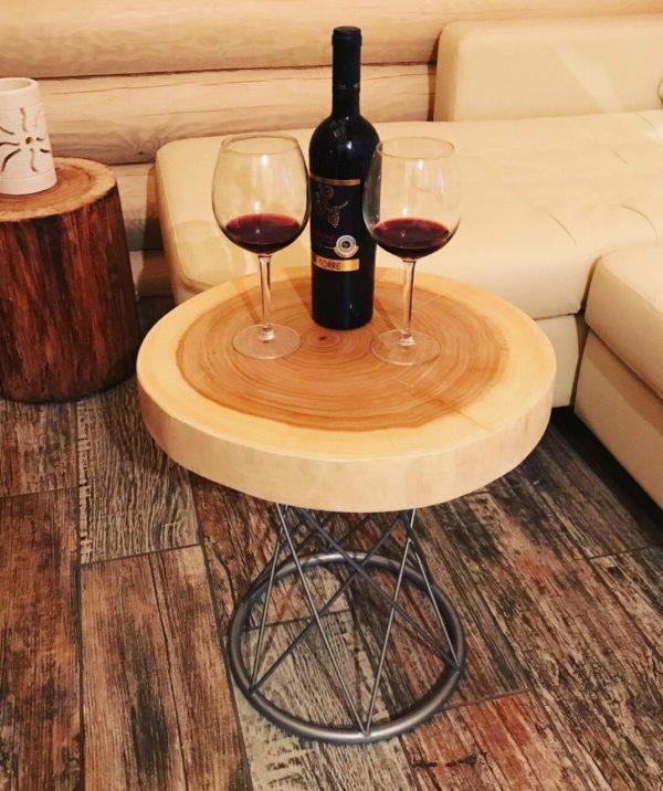 Сделать стол из спила дерева самим достаточно просто