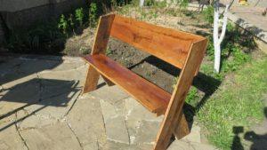 Скамейка из обрезной доски