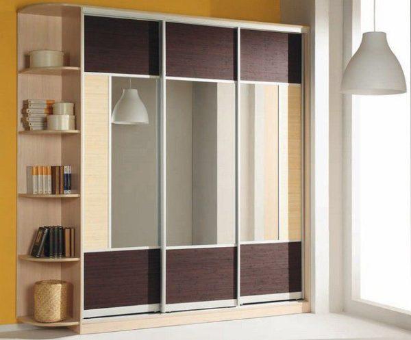 Соответствие секций и дверей делает шкаф-купе визуально более лаконичным
