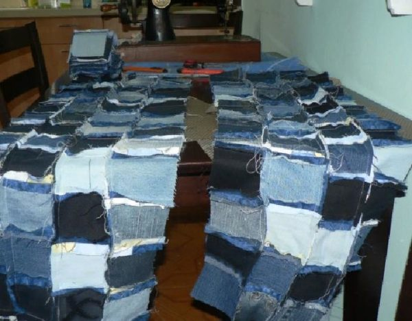 Сшиваем полоски в одеяло
