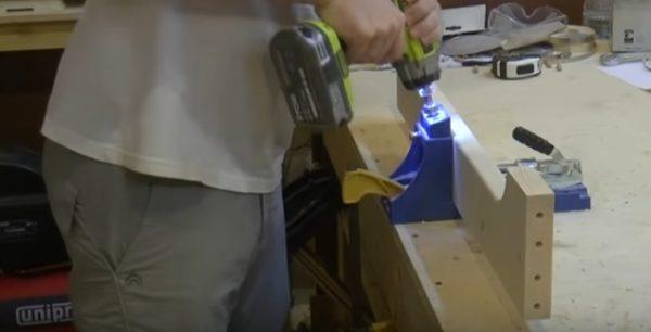 Сверление отверстий под косой шуруп