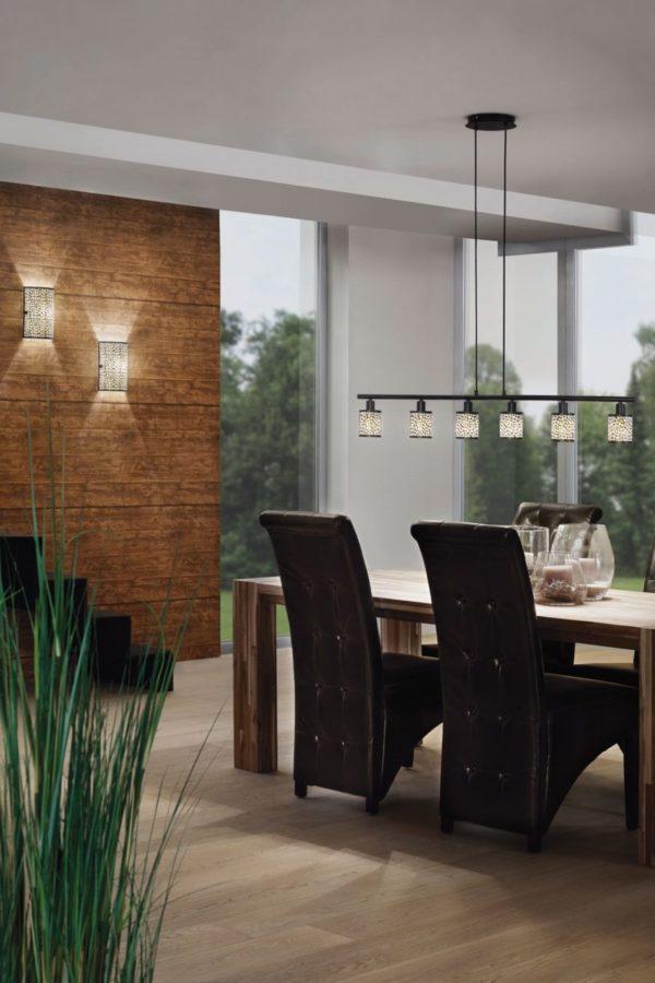Уютная кухня в коричневых тонах